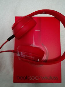 Brand New Beat Solo2 Wireless (price negotiable)