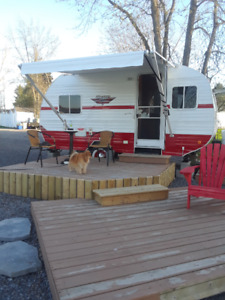 2017 Riverside White Water Retro 176FK Travel Trailer