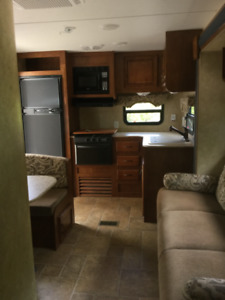 2012 COACHMEN CATALINA DELUXE EDITION