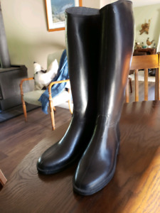 Childs size 4 Tall Riding Boots