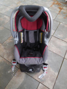 carseat for baby up to 22 pounds (10 kg)