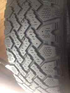 Set of 4 Radial winter tires 185/65/15 call: (514)777-6421