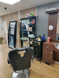 Barber💈shop closing (everything thing must go)