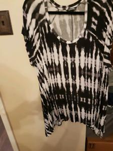 Huge Women's plus size clothes lot 20w -22w (2x-3x)