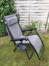 VonHaus Textoline Zero Gravity Chair with Canopy & Drinks Holder