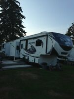 2013 Avalanche 360RB Fifth Wheel