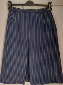 """Vintage Navy Pinstripe Skirt good condition! 27"""" waist. Can be viewed!"""