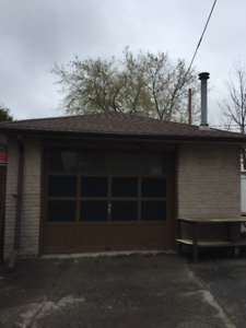 Large Detached Garage with I-Beam, Hydro & Heat