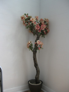 ROSIER ARTIFICIEL SUR TIGE / Artificial rose tree