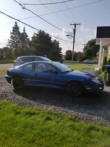 Pontiac sunfire 2004 750$