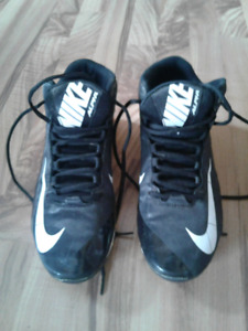 Men's Nike football cleats size 10.5
