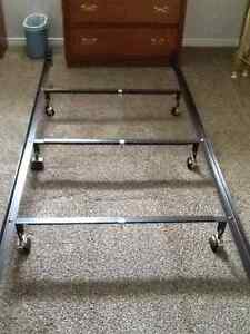 Fifth Ave Queen Size Brass Bed & Heavy Duty Bed Frame London Ontario image 4