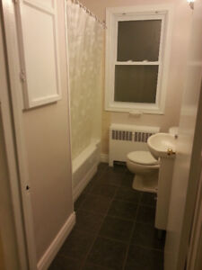 ROOMS FOR RENT FOR SEPTEMBER 1ST: 8 MONTH LEASE
