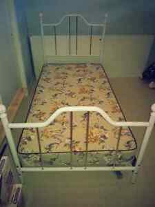 Twin bed frame with boxspring