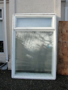 3 DOUBLE GLAZED VINYL WINDOWS WITH NEW SCREENS AND BLINDS