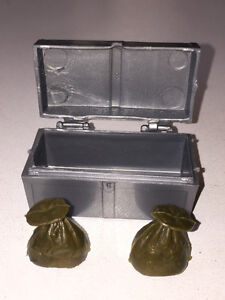 Johnny West lock box (gold bags) 70s