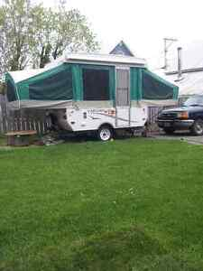 2006 tent trailer 8.5 foot like new