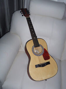 Guitare acoustique en bois the first act impeccable