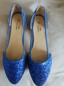 BRAND NEW LADIES SHOES Size 39/6