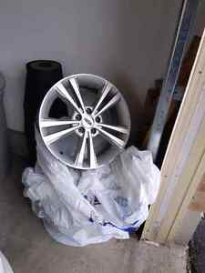 - 4x used 18 inch factory Lincoln MKS rims