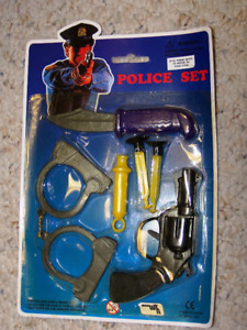 Toys: SUCTION DARTS - Police Toy Set