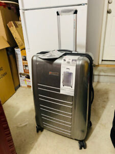"Air Canada 28"" Hardside Luggage ABS Spinner"