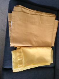 Curtain set yellow