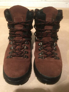 Women's Cougar Winter Boots Size 8 London Ontario image 5