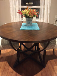 Round Dining Table And 4 Parson Chairs Coordinating Curtains
