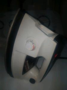 Ski wax iron