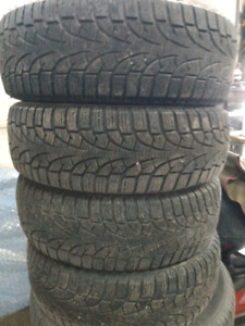 4 x 195/65R15 Pirelli winter tires pneus d'hiver