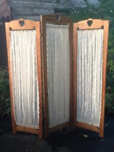 ANTIQUE PRIVACY SCREEN / ROOM DIVIDER - Handcrafted Wood & Lace