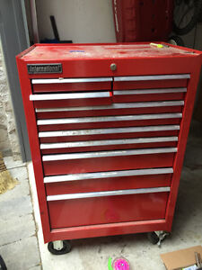 Tool Chest by Iternational on wheels