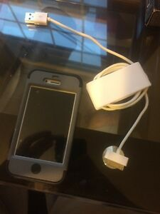 iPhone 4s 16 gig -great condition