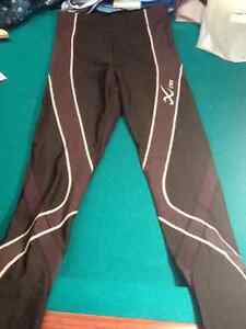 Women's Cw-x Insulator pro tights - brand new! West Island Greater Montréal image 1