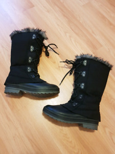 Cougar winter boot size 9 $30