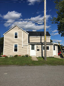 Charming 2 bedroom home in Napanee