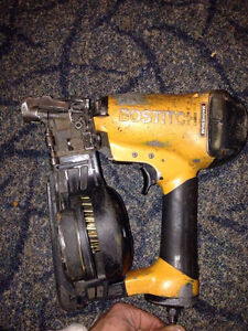 BOSTICH ROOFING NAILER (FOR PARTS)