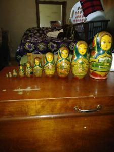 12 piece set of collectables