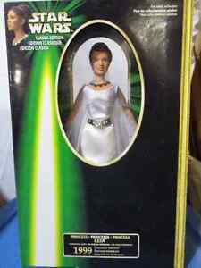 NEW LOWER PRICE! 1999 Princess Leia Classic edition Cambridge Kitchener Area image 1