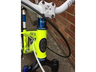 Custom built dirt jump bike mountain bike.
