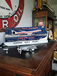 LOUIS MARX CO SEABOARD WORLD AIRLINES  Tin toy made in Japan