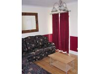 Graduate House Share - a home not just a room. Close to town centre and station