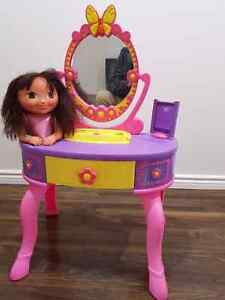Kids Hairdresser Table Toy Cambridge Kitchener Area image 1