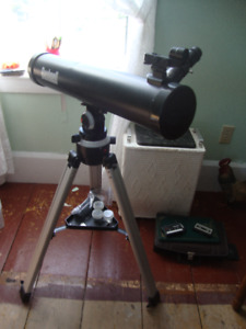 BUSHNELL VOYAGER TELESCOPE WITH SKY TOUR
