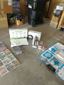 Nintendo Wii deluxe set. Console, games dance mat and more!
