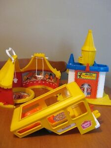 WEEBLES VINTAGE 70'S PLAYSETS and TABLE like little people