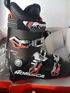 New ski boots for sale!