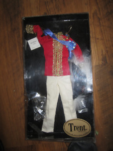 trent doll ROYAL MILITARY costume