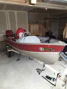 *REDUCED* 14' LUND Fishing Boat